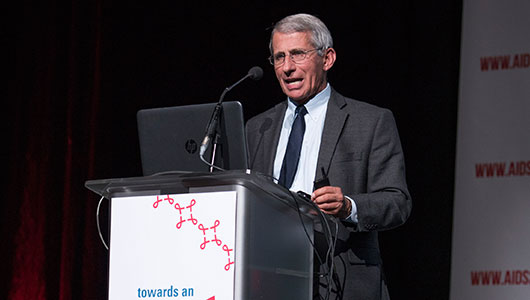 Anthony Fauci, de los Instituto Nacionales de Salud de EE UU, en su intervención en el simposio 'Towards A Cure' (Hacia una cura). Foto: International AIDS Society/Steve Forrest/Workers' Photos