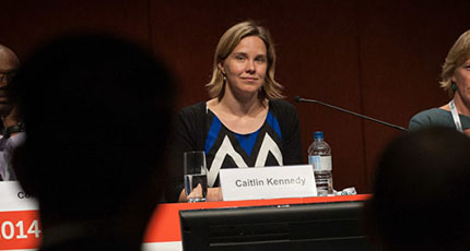 Caitlin Kennedy, de la Universidad Johns Hopkins en su intervención en AIDS 2014. Foto: International AIDS Society/Steve Forrest.